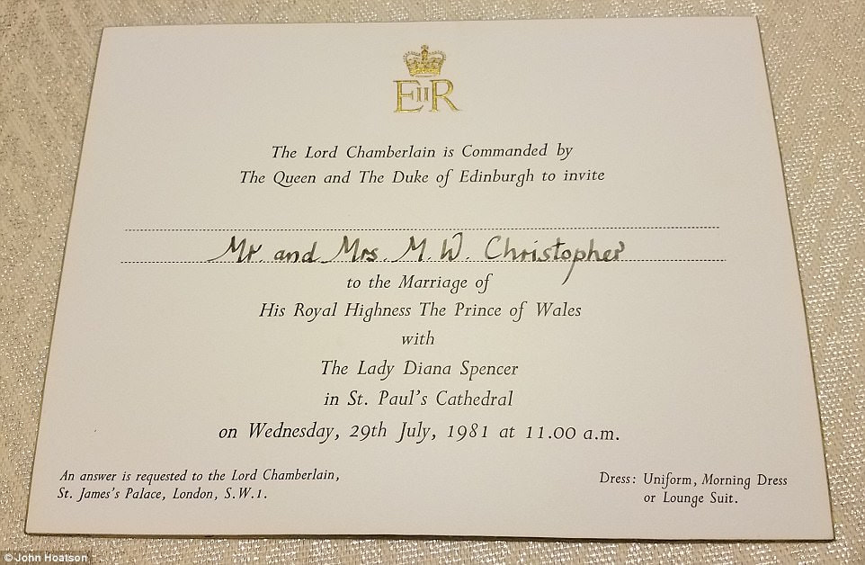 Prince Harry Meghan Markle S Royal Wedding Invitations Blue